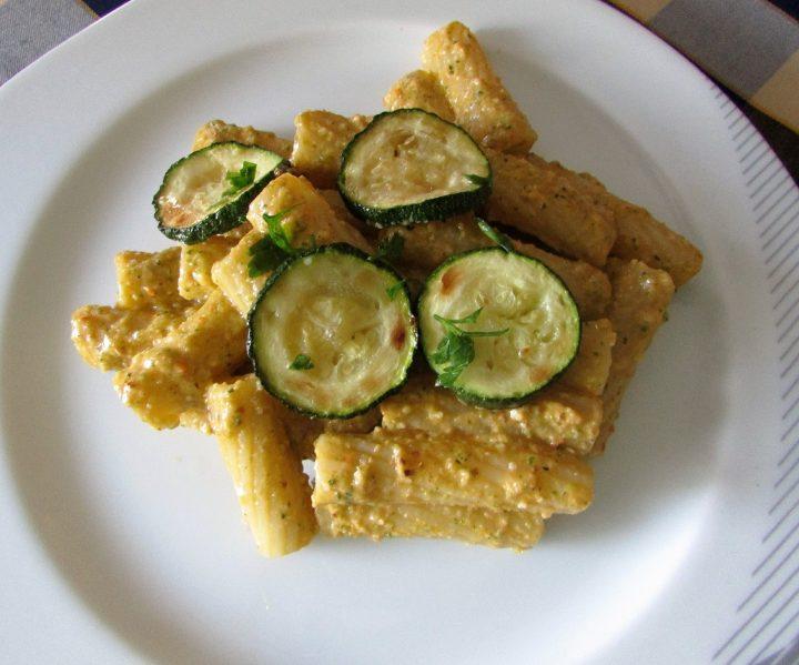 pasta-con-pesto-di-zucchine