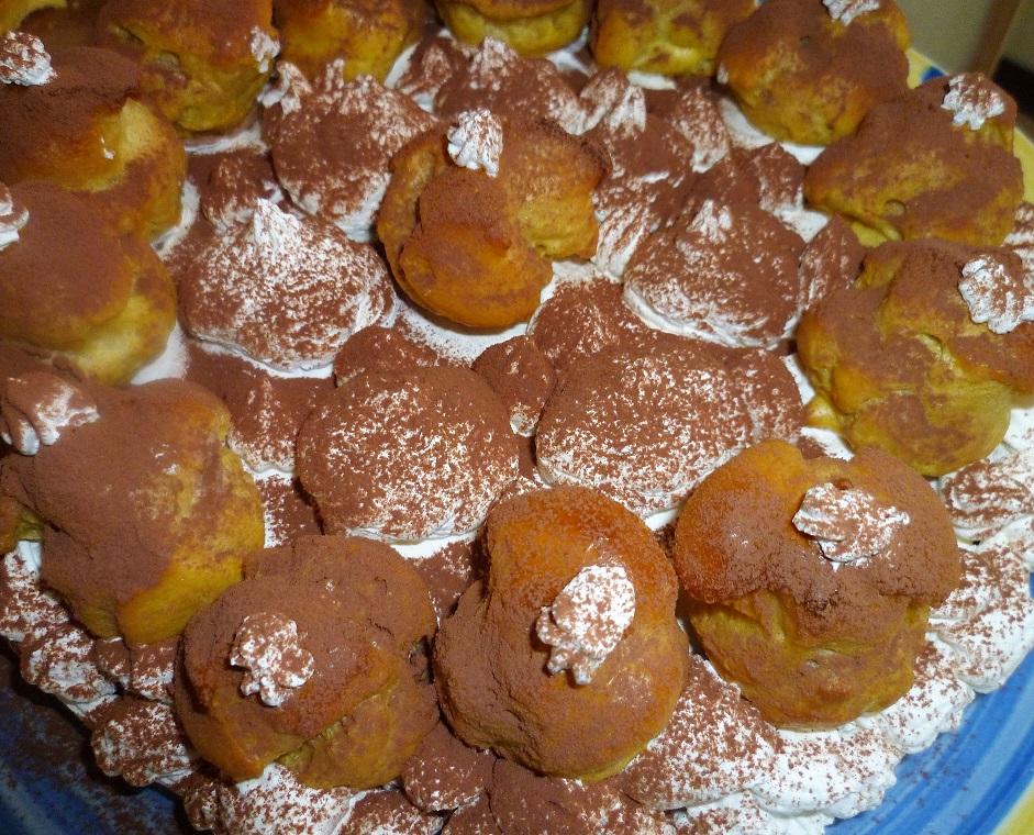 torta-al-cacao-profiteroles