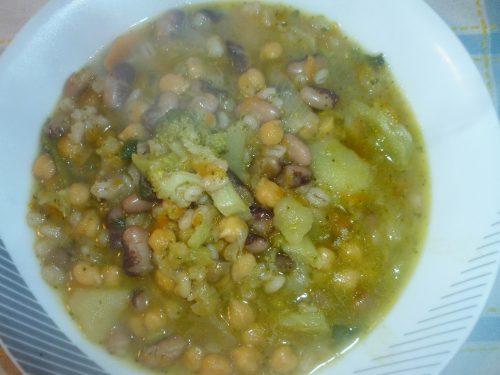 Zuppa con legumi
