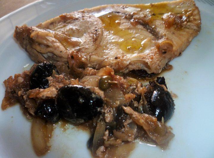 pesce-spada-cipolla-e-olive