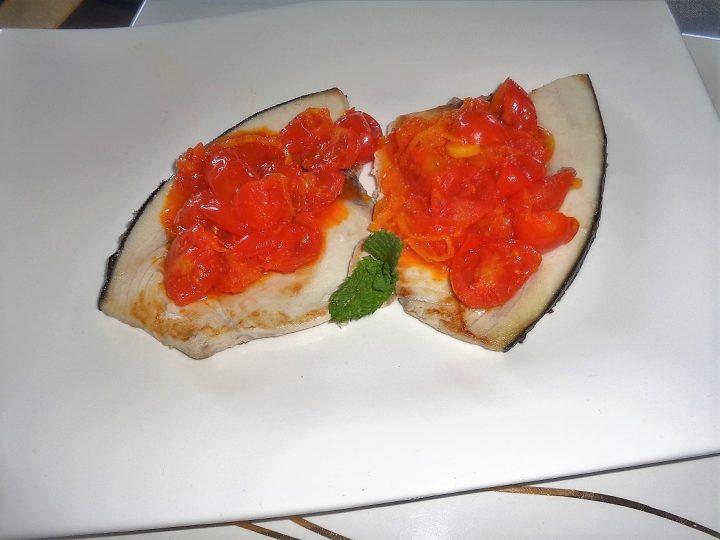 ricetta-pesce-spada-con-pomodorini-e-zafferano