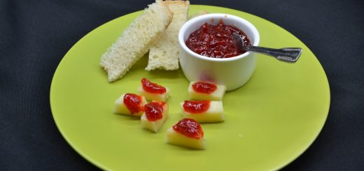 Marmellata-di-peperoni-rossi-e-peperoncino