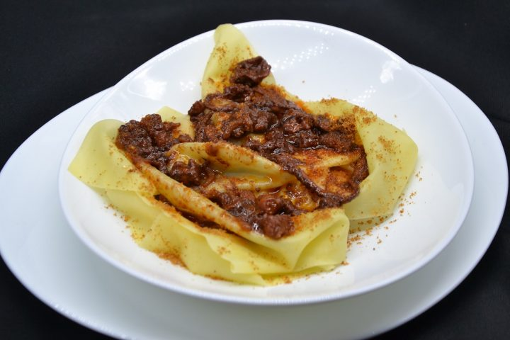 lasagna-scomposta-al-sugo-di-polpo
