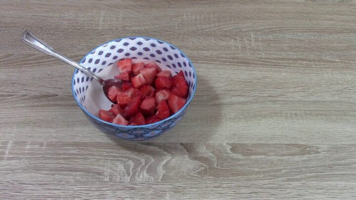 torta-allo-yogurt-e-fragole