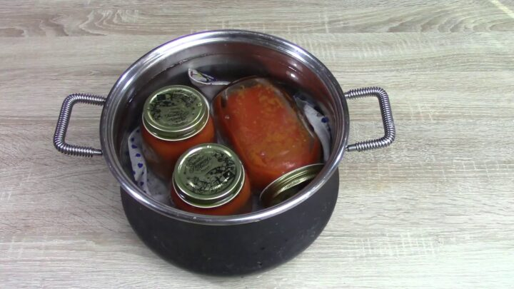 conserva-di-pomodoro-con-verdure